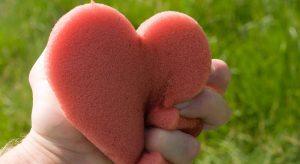 Inimile-frânte-se-vindecă
